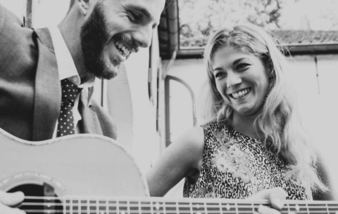 Nieuwsbericht: Akoestisch duo inhuren voor je bruiloft