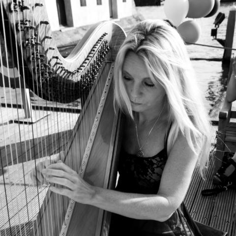 Lucia | Harpiste